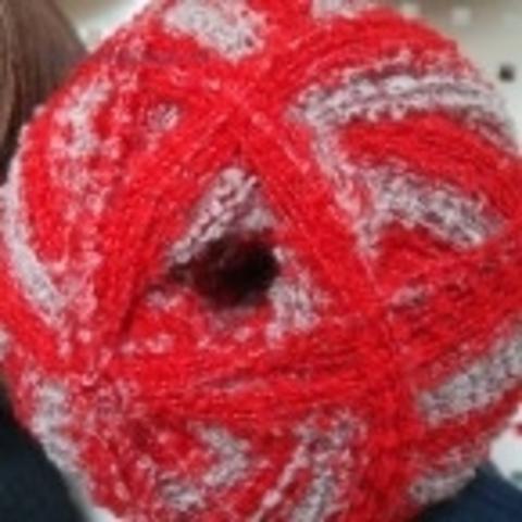 Фото: Пряжа Суперфантазийная цвет 816 красный меланж Пехорка - купить в интернет-магазине Клубок Шоп