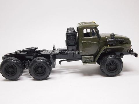 Ural-44202 tractor truck Elecon 1:43