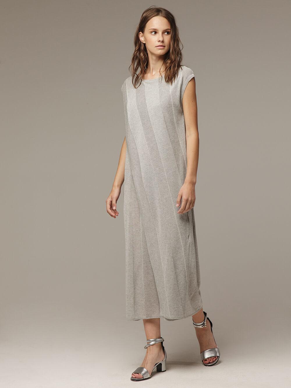Женское платье миди серого цвета - фото 1