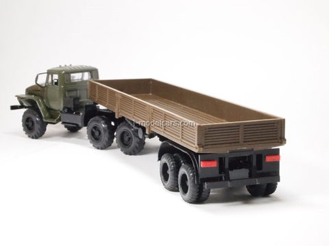Ural-44202 with semitrailer khaki-brown Elecon 1:43