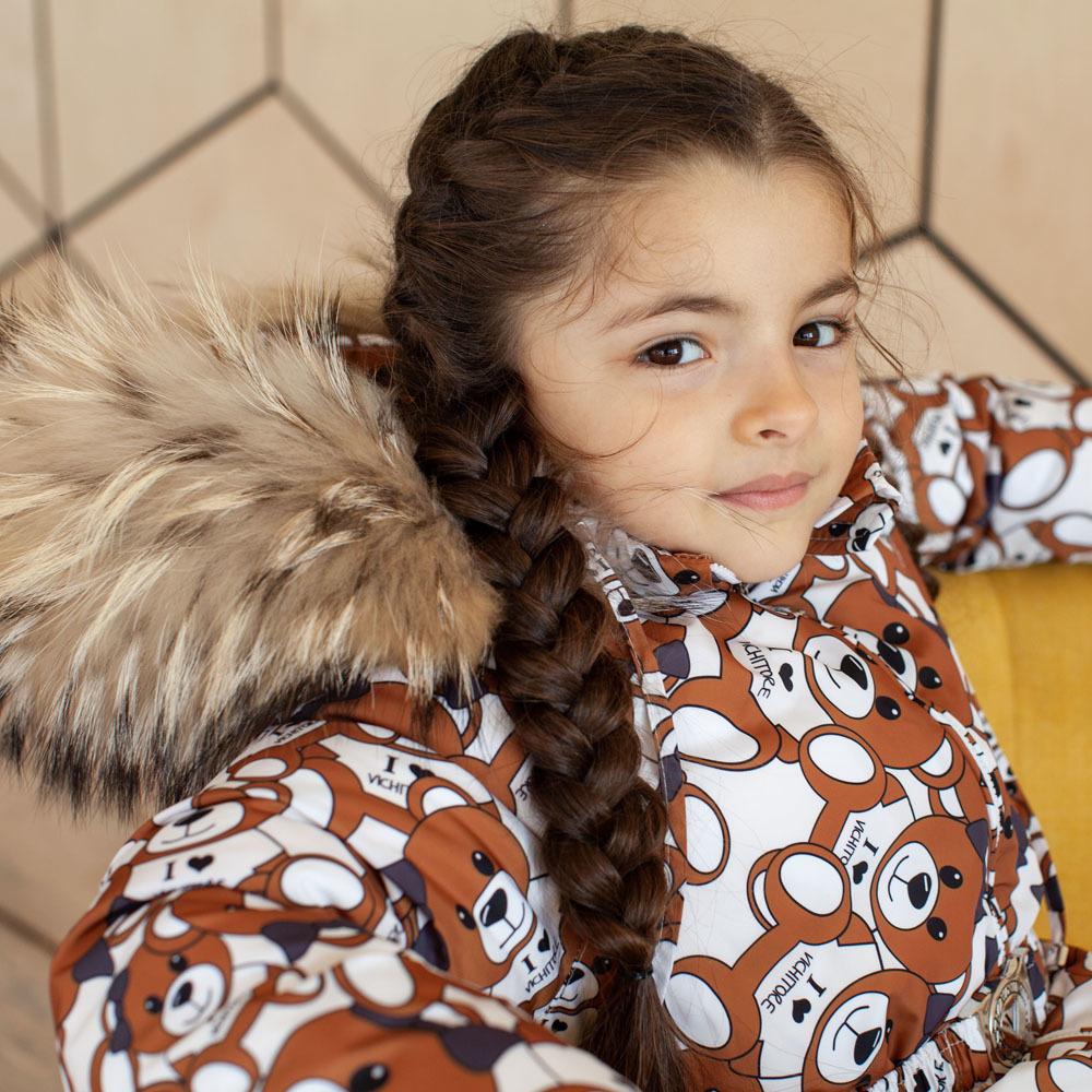Детский зимний комбинезон с принтом «Мишки» и опушкой из натурального меха коричневого цвета