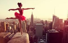 Картина раскраска по номерам 40x50 Выступление балерины на крыше