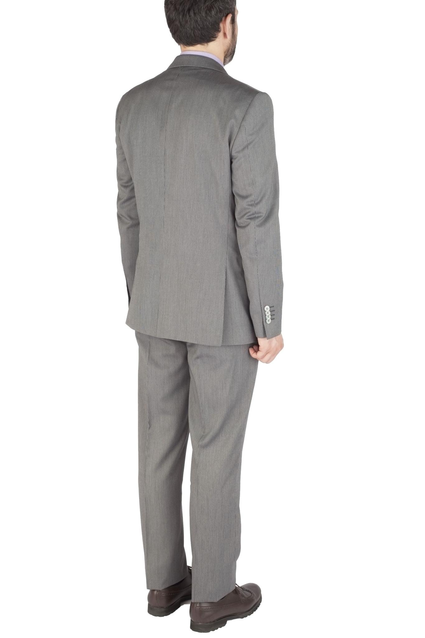 Светло-серый шерстяной костюм