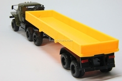 Ural-44202 with semitrailer khaki-yellow Elecon 1:43
