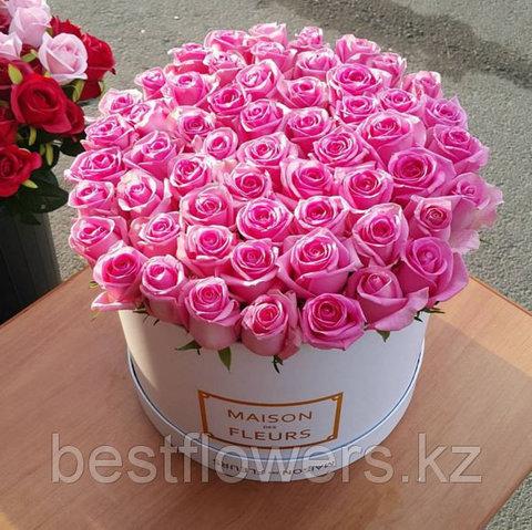 Розовые розы в коробке Maison Des Fleurs