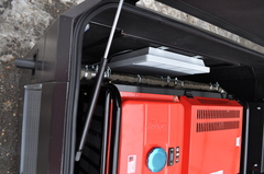 Бензиновый генератор установленный в бесшумный всепогодный кожух