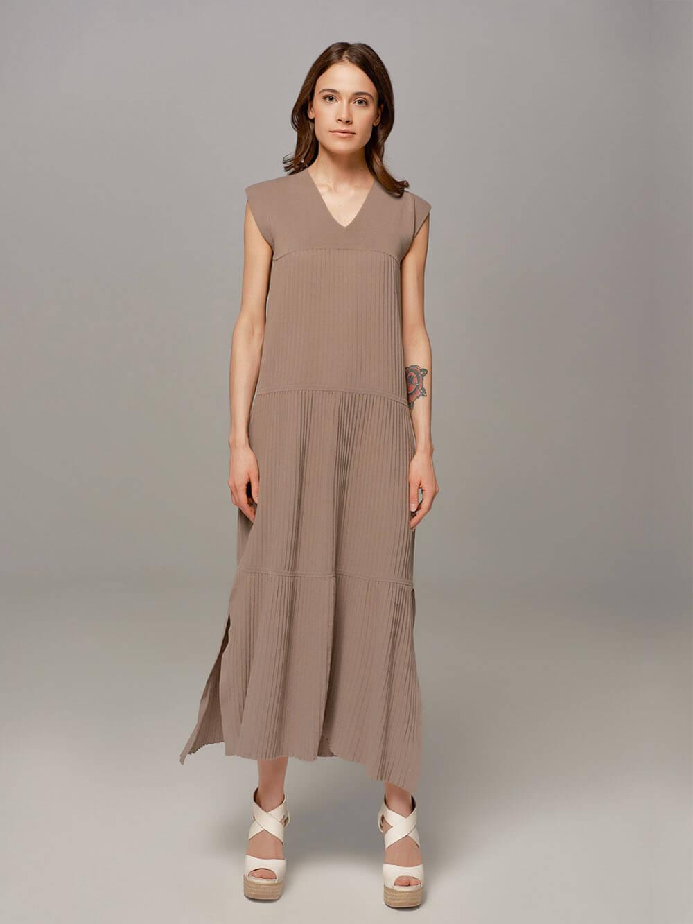 Женское серое платье LE TRICOT - фото 1