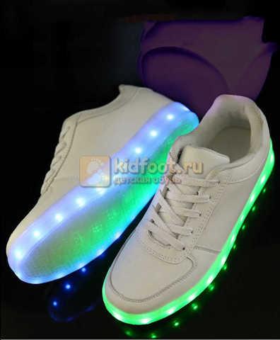Светящиеся кроссовки с USB зарядкой Fashion (Фэшн) на шнурках, цвет белый, светится вся подошва. Изображение 20 из 29.