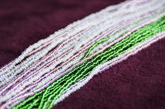 Комплект украшений розово-зеленый (длинные серьги из бисера, бусы из бисера 24 нити)