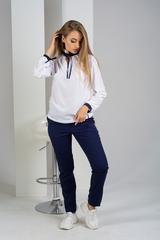 Луиза. Стильная белая блуза с завязками. Синий