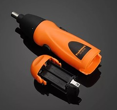 отвертка на батарейках аккумуляторная x-power 6 V фото