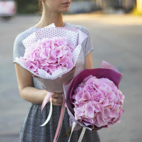 Ветка розовой гортензии Verena