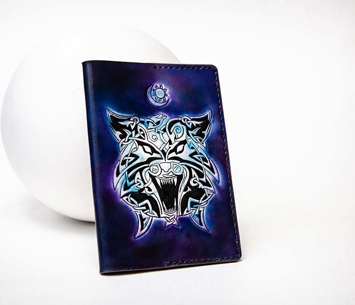 BC224 Обложка с волком в кельтском стиле, ручная роспись фото 04