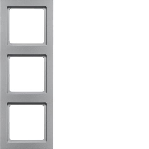 Рамка на 3 поста. Цвет Алюминий. Berker (Беркер). Q.3. 10136094