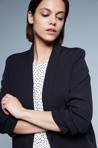 удлиненный черный пиджак женский недорого
