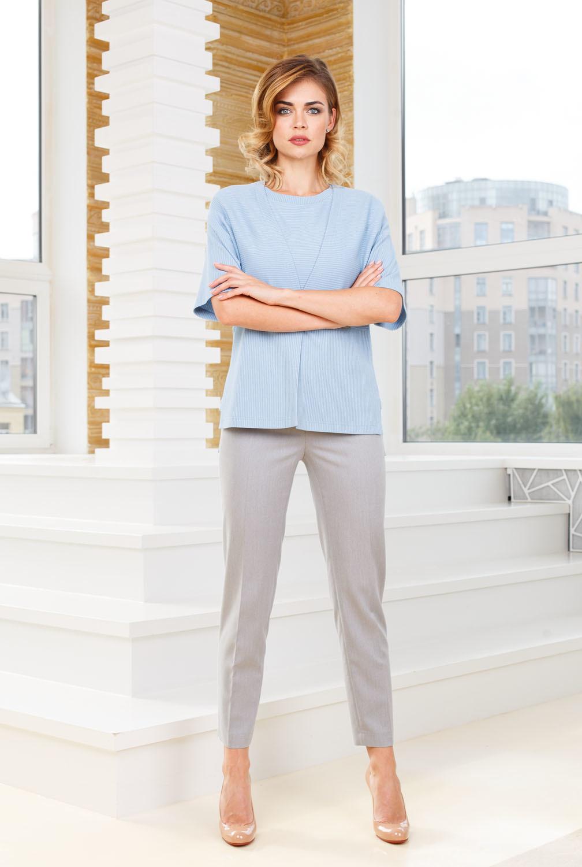 Жакет Д544-486 - Трикотажный жакет из фактурной ткани в полоску. Застежка на одну пуговицу, спущенная линия плеча, асимметричная линия низы - спинка удлиненны. Универсальная, комфортная модель займет достойное место в вашем гардеробе.