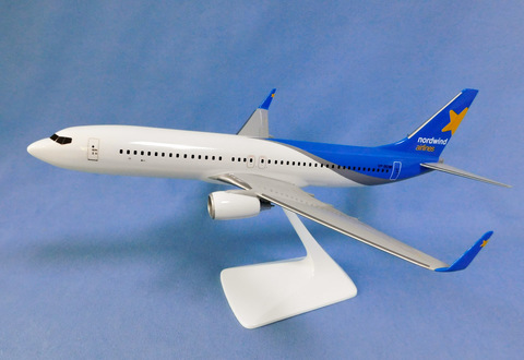 Модель самолета Boeing 737-800 (М1:100, Nordwind) синий