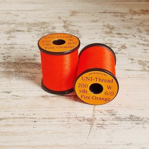 UNI Монтажная нить Uni-Thread 6/0 waxed (вощеная) 200y
