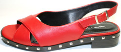 Красные босоножки на низком каблуке Marani Magli