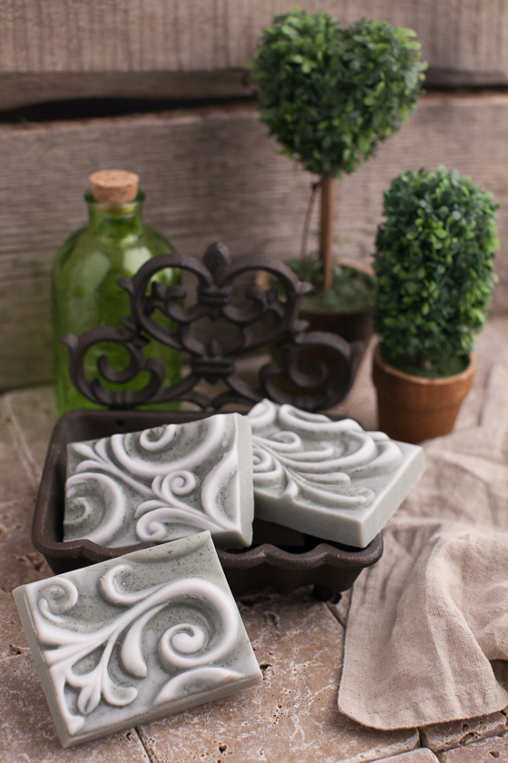 Мыло ручной работы с орнаментом
