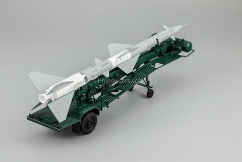 Transport-loading vehicle PR11 with rocket 13DSU green DIP 1:43