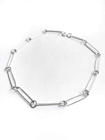 Серебряное колье с крупными звеньями