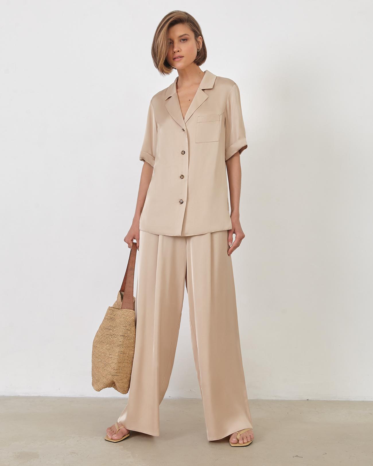 Блуза с коротким рукавом бежевого цвета фото
