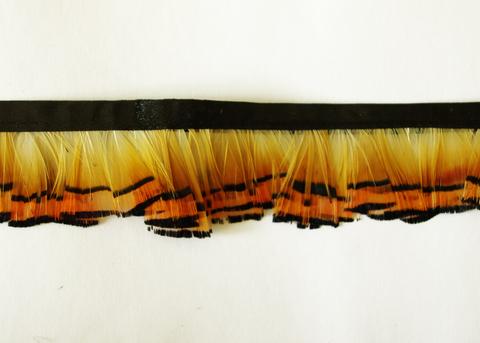 Тесьма  из перьев золотого фазана  около 3-4 см. Вид 9