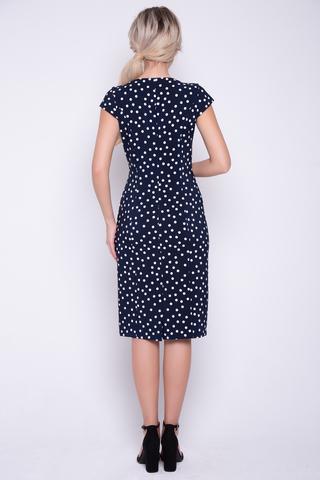 """<p>Соблазнительное платье с эффектным принтом """"горох"""" сделает Вас неотразимой и каждый раз напомнит всем вокруг, на что способны сила женской красоты и сексуальности. По спинке - замок.</p>"""