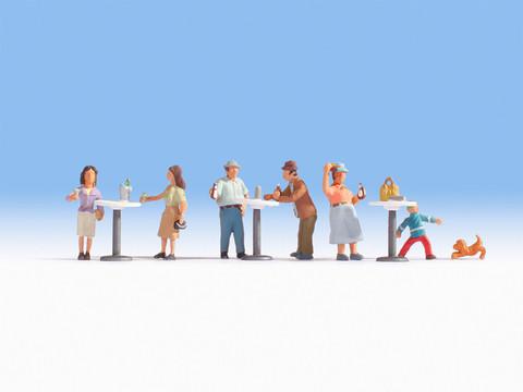 Посетители бистро (6 человек с предметами)