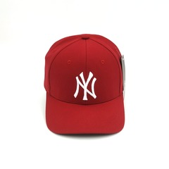 Кепка с вышитым логотипом Нью-Йорк Янкиз (Бейсболки New York Yankees) красная