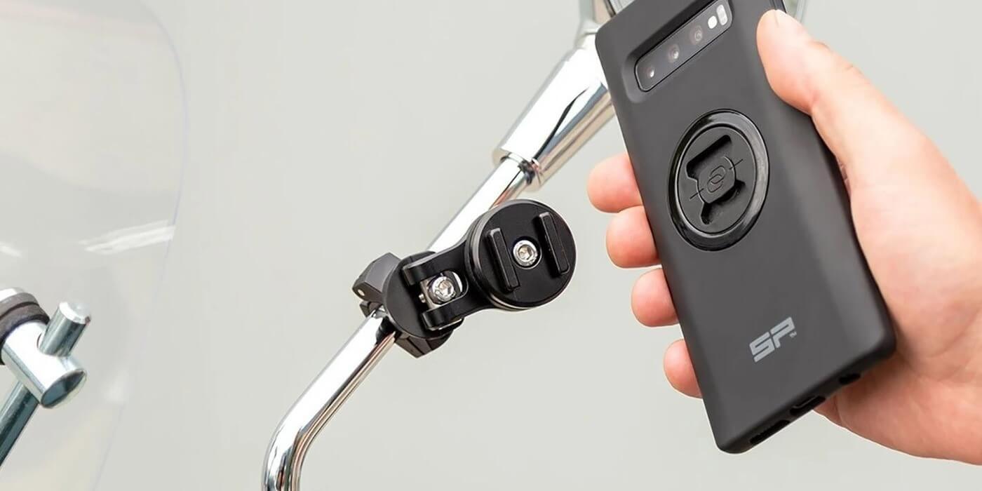 Крепление на зеркало SP Connect MIRROR MOUNT PRO + смартфон
