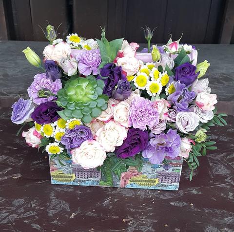 Ящик с цветами весенний 8