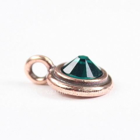 2058 Стразы Сваровски холодной фиксации Emerald ss 34 (7,07-7,27 мм)