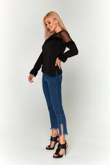 Черная блуза с прозрачными плечами