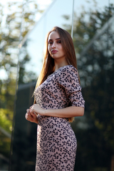 Платье с разрезом спереди миди оптом
