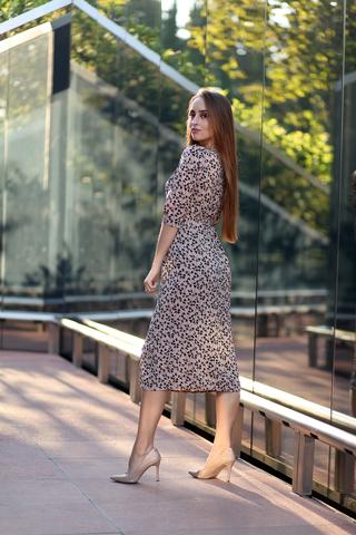 Платье с разрезом спереди миди недорого
