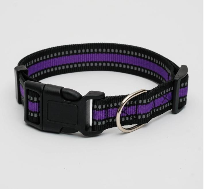 Ошейник с двойной светоотражающей прострочкой, 54 х 2,5 см, черно-фиолетовый фото