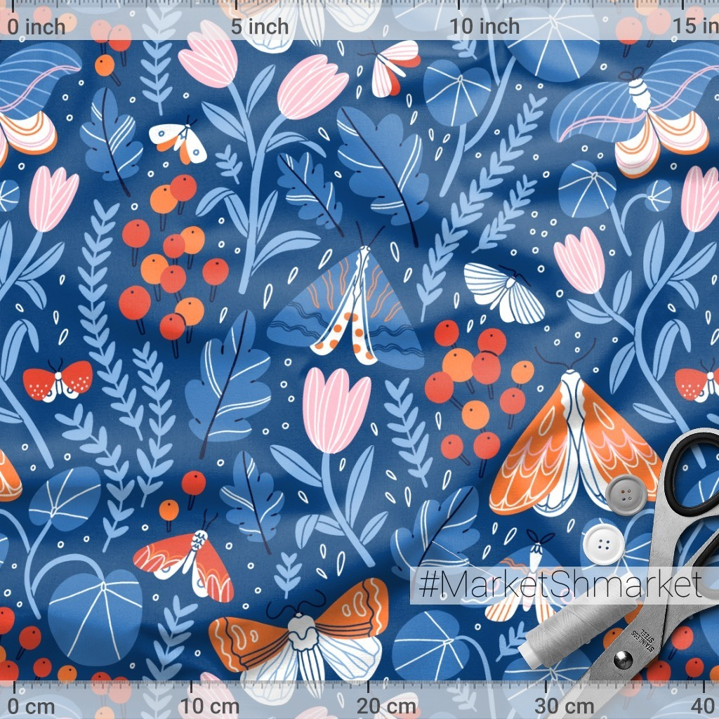 Ночные бабочки в саду