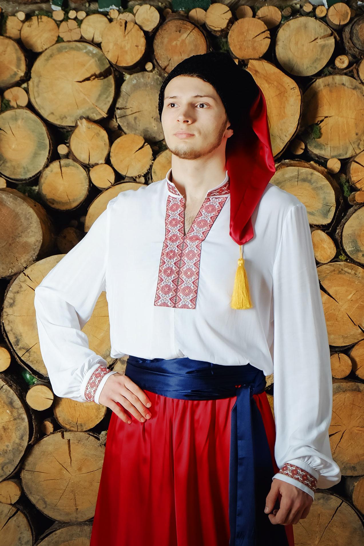 Костюм украинский народный Добрый молодец приближенный фрагмент