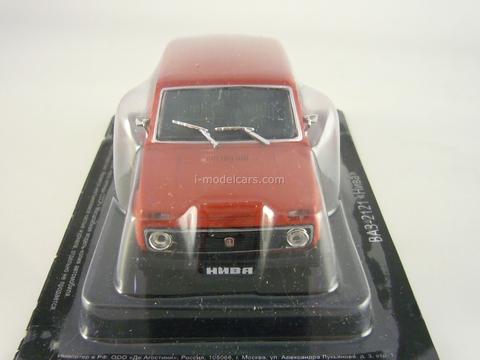 VAZ-2121 Niva Lada red 1:43 DeAgostini Auto Legends USSR Best #20