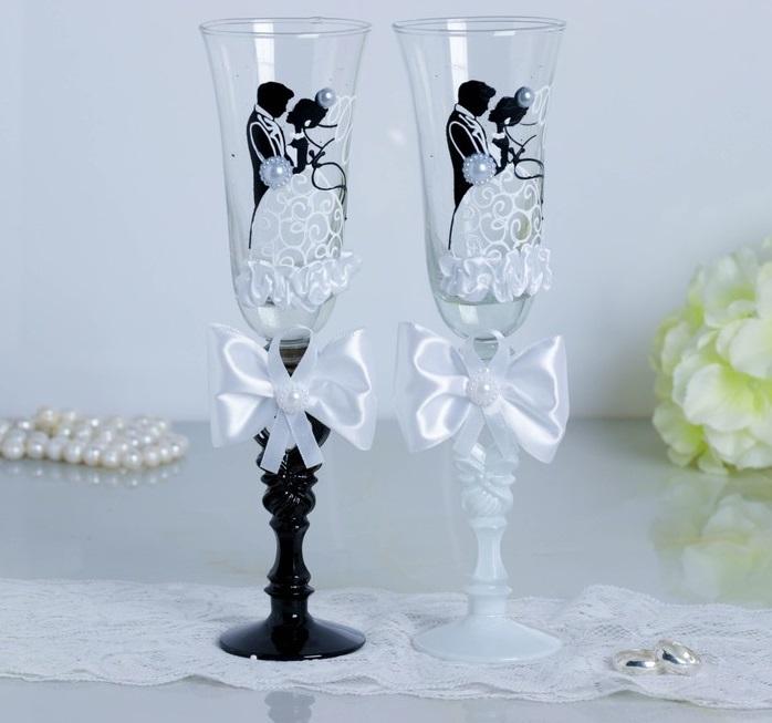Набор свадебных бокалов «Жених и невеста», с бантами, чёрно-белый
