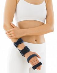 Шина medi CTS для лучезапястного сустава и пальцев кисти с моделируемой рамой