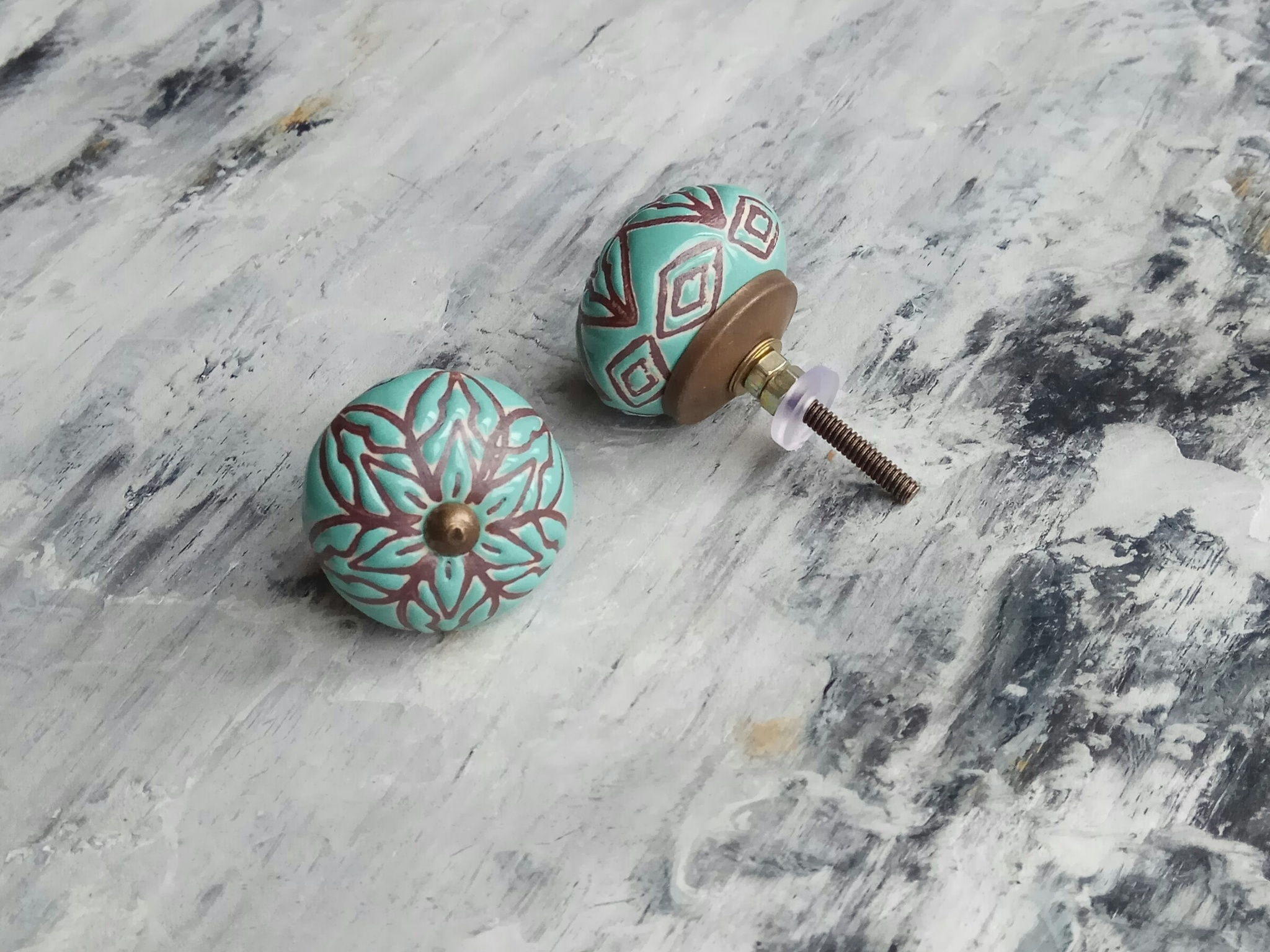 Ручка мебельная керамическая  - цвета морской волны с графическим орнаментом, арт. 00001033