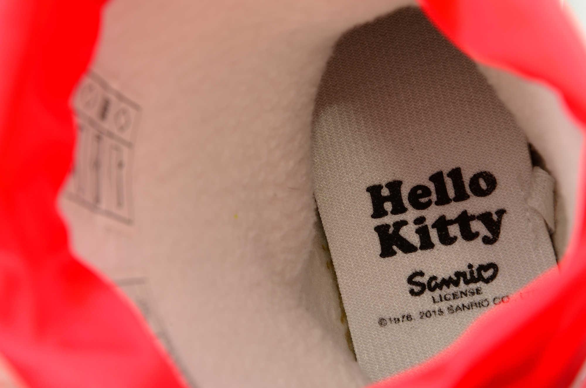 Резиновые сапоги для девочек утепленные Хелло Китти (Hello Kitty), цвет красный