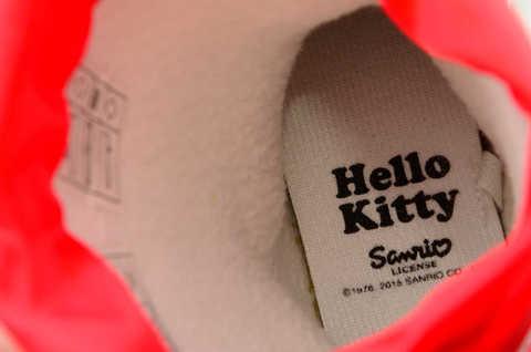 Резиновые сапоги для девочек утепленные Хелло Китти (Hello Kitty), цвет красный. Изображение 11 из 11.