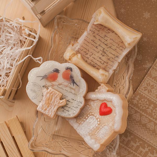 Мыло в виде дерева, сделанное в пластиковой форме