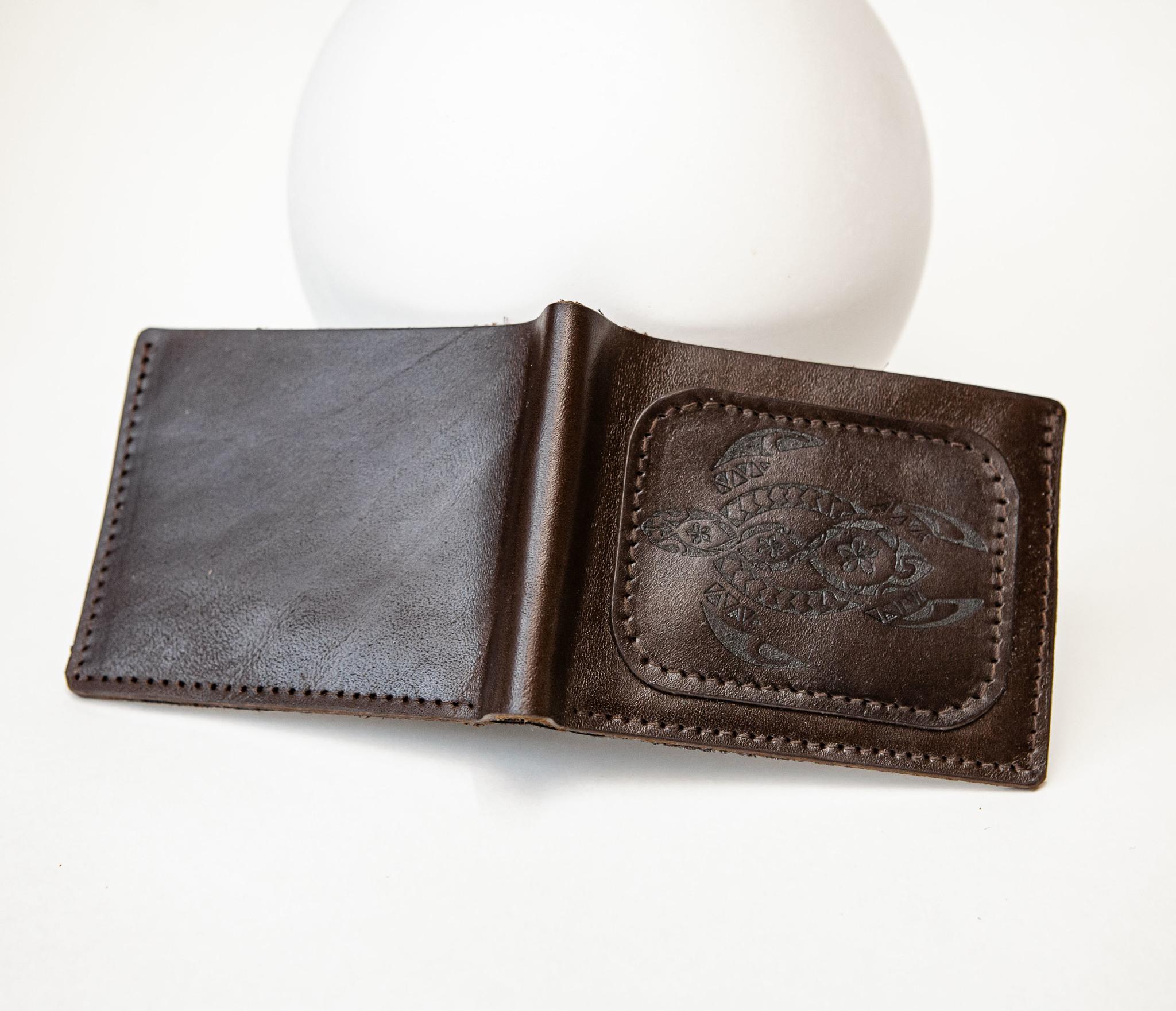 WB159 Мужской кошелек с черепахой в полинезийском стиле, «Boroda Design» фото 04
