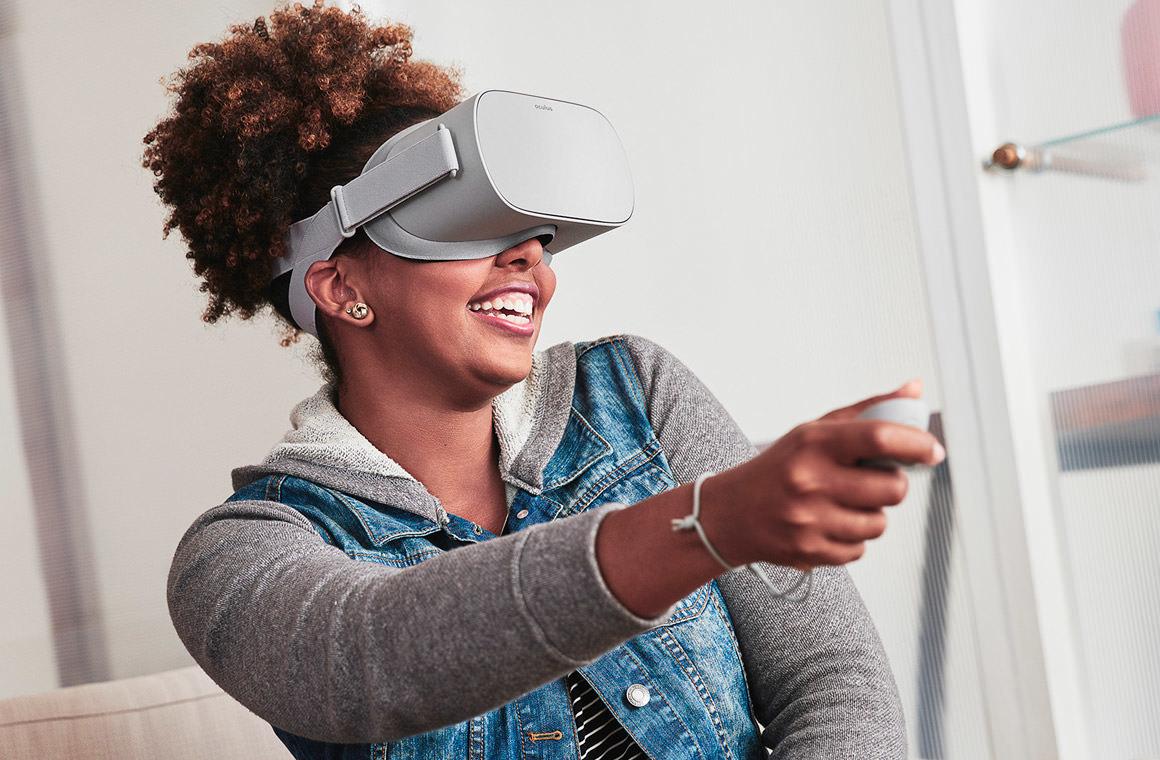 Шлем виртуальной реальности Oculus GO