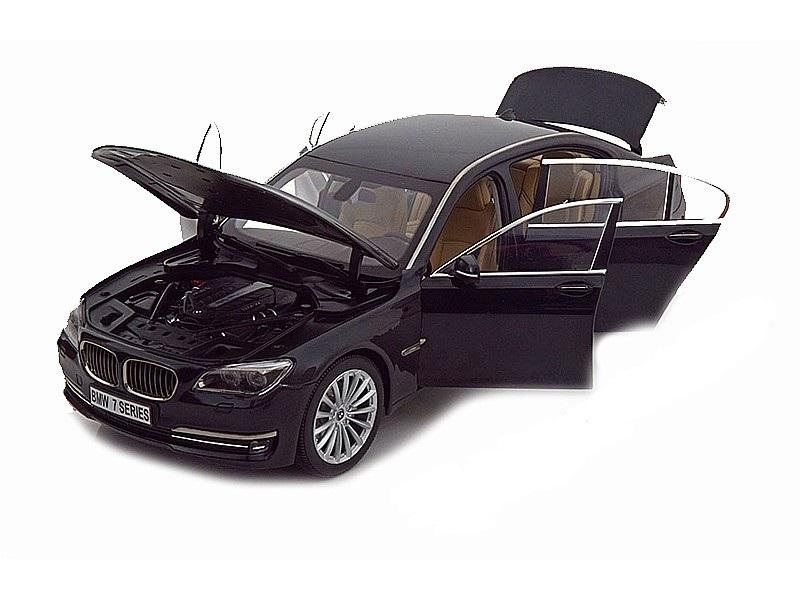 Коллекционная модель BMW F02 750Li 2013